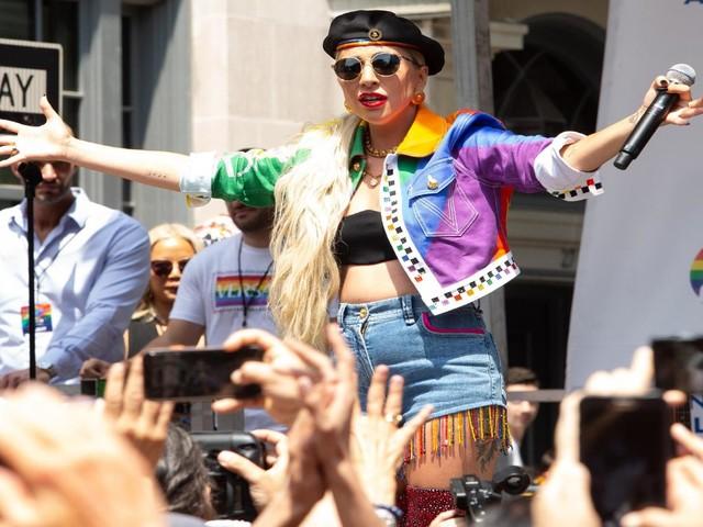 """Lady Gaga contro ansia e depressione: """"Sono italiana!"""""""