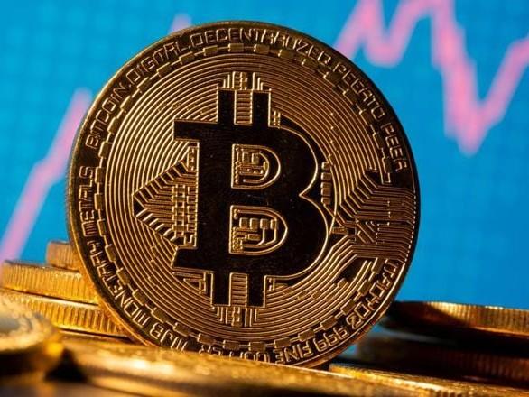 Perché il Bitcoin vola mentre l'oro va giù
