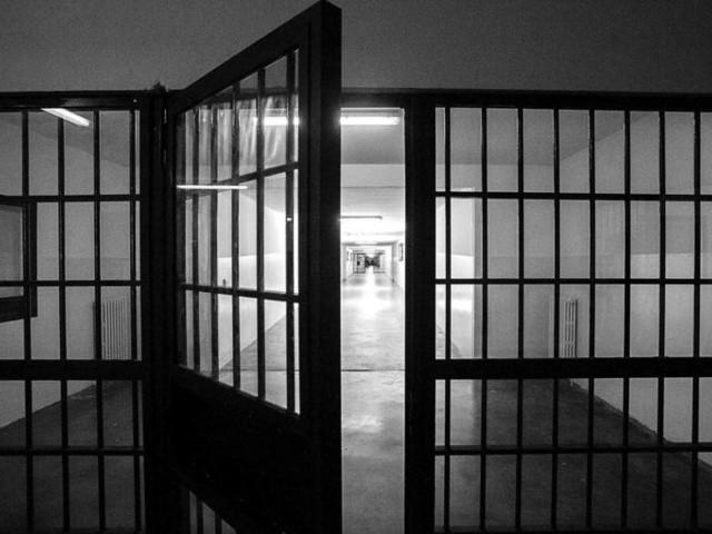 I primi provvedimenti alla prova dell'emergenza carceri