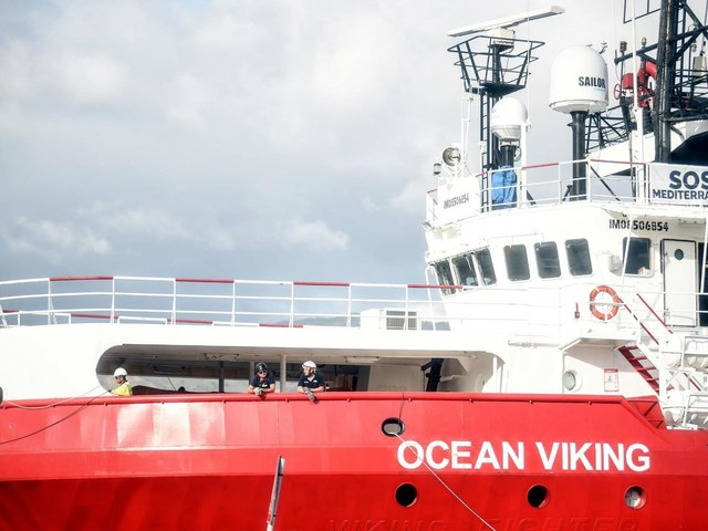 Migranti, altre 30 persone soccorse da Ocean Viking