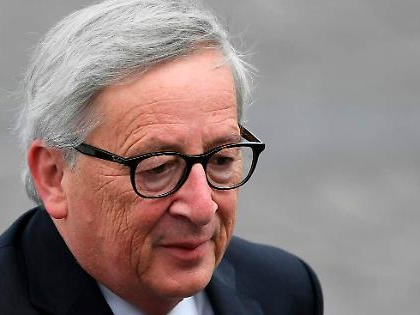 Jean Claude Juncker, vacanze drammatiche: gli asportano la cistifellea d'urgenza. Le voci sulla sua salute