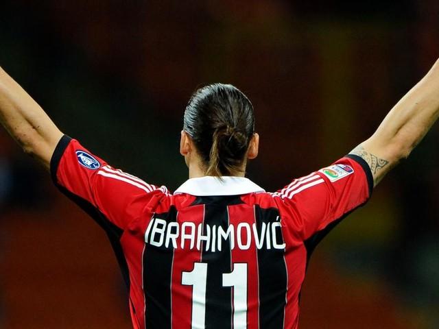 Calciomercato, Ibrahimovic sarebbe conteso da Milan e Inter ma i nerazzurri smentiscono
