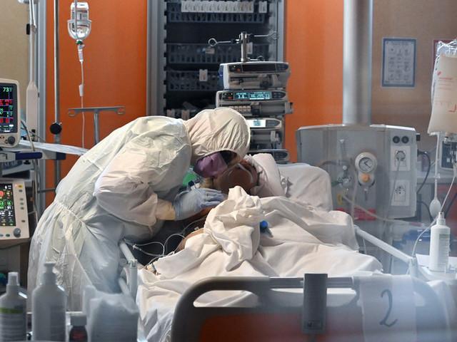 """In dieci giorni 27 medici uccisi dal virus, """"fermare la strage degli innocenti"""""""