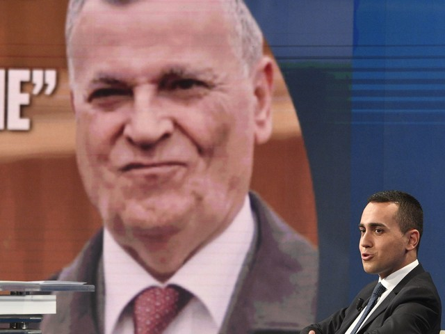 """La versione di Di Maio: """"Azienda messa in liquidazione, io devo dedicarmi ai cittadini"""""""