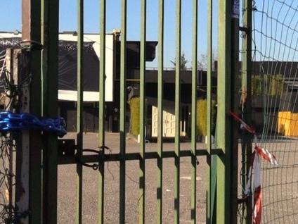 «Alcol, dissidi e violazioni ripetute» La polizia chiude il «Costez» di Grumello