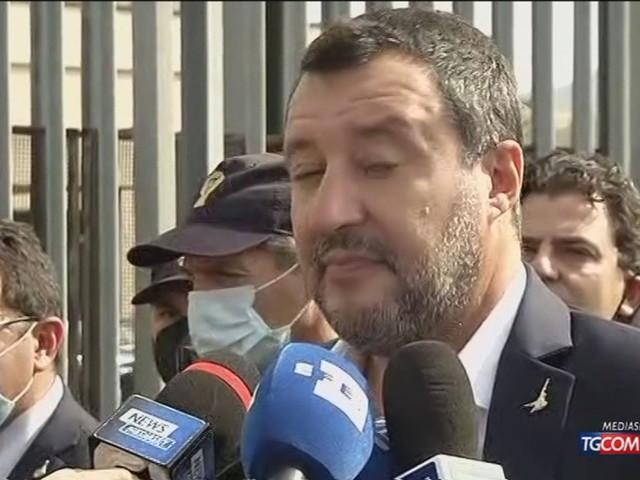 """Richard Gere testimone su Open Arms, Salvini: """"È un processo serio?"""""""
