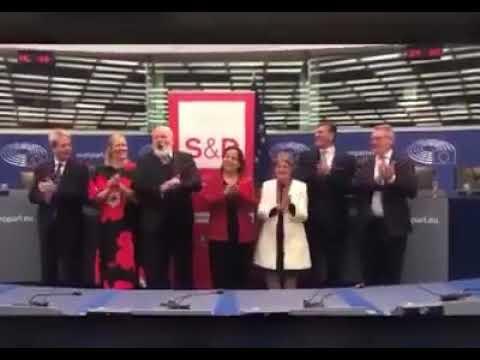 Bella Ciao, il parlamento europeo intona il canto partigiano italiano