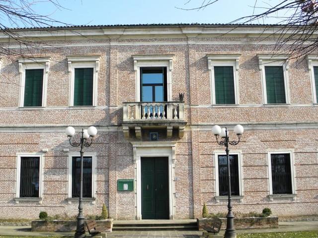Padova, le salme della madre e dello zio erano nascoste in casa per incassare la pensione