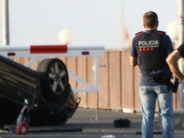 Attentato Barcellona, dopo la Rambla nuovo attacco a Cambrils. Numero vittime sale a 14: anche 2 italiani