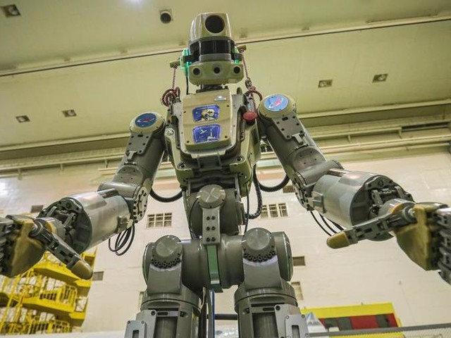 Parla, spara e guida pure: il robot russo Fedor pronto al viaggio spaziale in solitaria