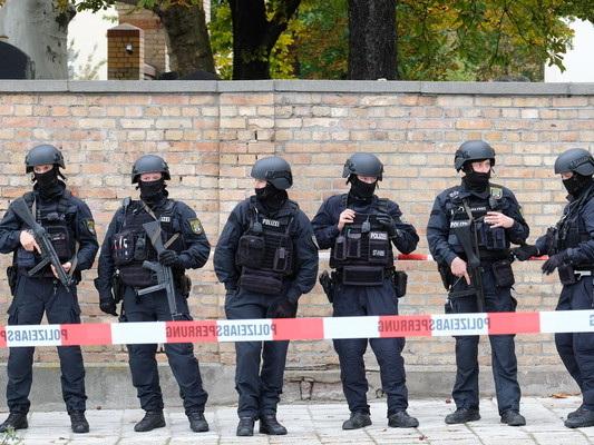 Cosa sappiamo finora dell'assalto alla sinagoga di Halle, in Germania