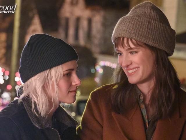 Happiest Season: Kristen Stewart celebra una storia d'amore LGBTQI