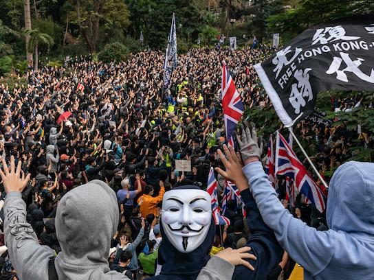 Ci sono stati arresti e scontri tra manifestanti e polizia a Hong Kong