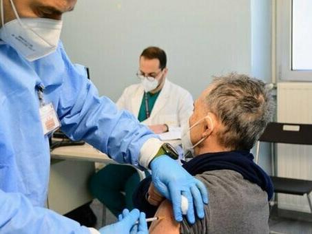 Vaccini Covid, «sono sicuri anche per gli allergici»: i risultati di un nuovo studio