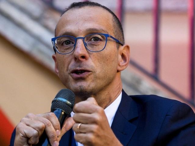 """Pesaro apre l'esperimento Pd-5 stelle. Il sindaco Ricci nomina assessore un grillino: """"Siamo i primi. Per scelta, non per necessità"""""""