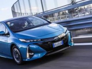 Toyota Prius Plug-In Hybrid 2017: prova e consumi reali