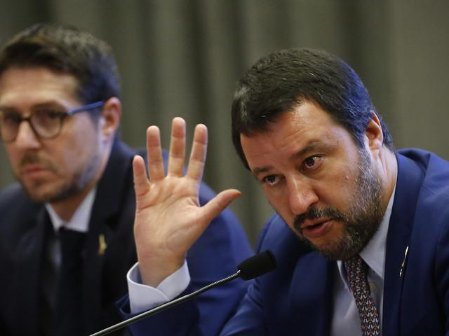 Sondaggi, frena la Lega. Recupera Forza Italia e continua il calo del M5S