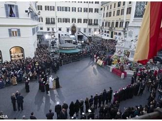 Papa Francesco: Maria ci aiuti a sviluppare gli anticorpi contro i virus dei nostri tempi