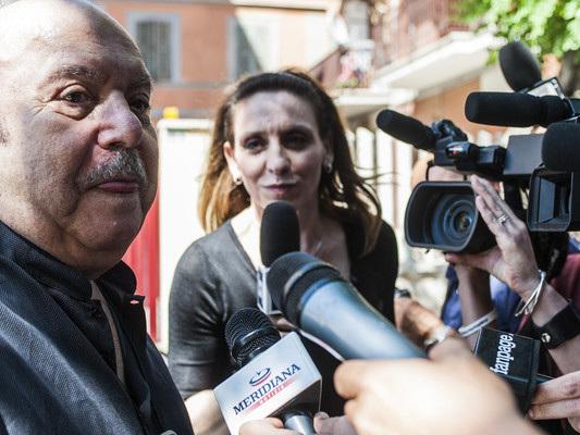 Il Movimento lo ha lasciato solo ma per fortuna Di Maio c'è, dice Lino Banfi