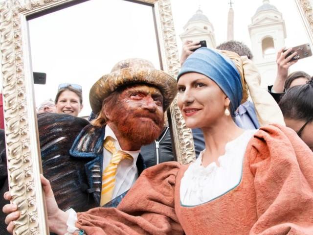 Pausini e Antonacci, irriconoscibili in Piazza di Spagna