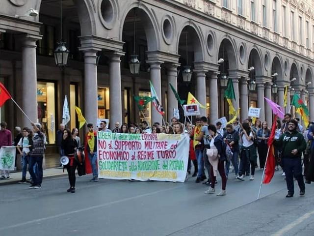 Torino scende in piazza a favore del popolo curdo: l'appuntamento è in piazza Castello