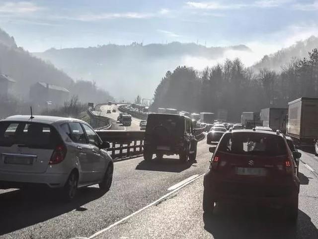 Autostrade Liguria prigioniere del traffico