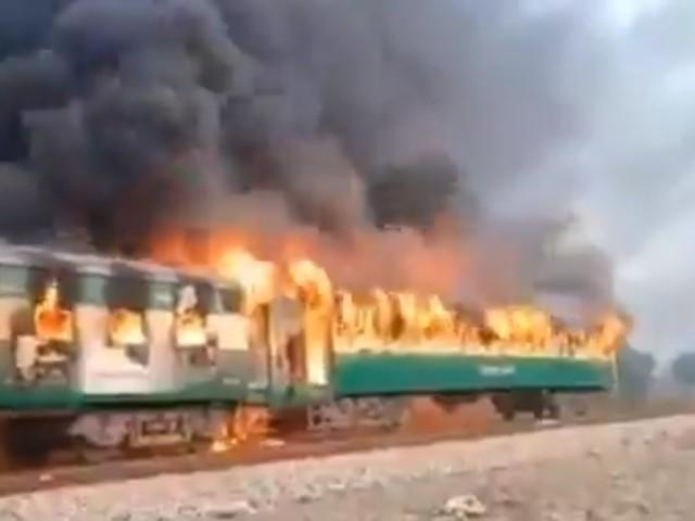 Pakistan, rogo sul treno: morti almeno 65 passeggeri