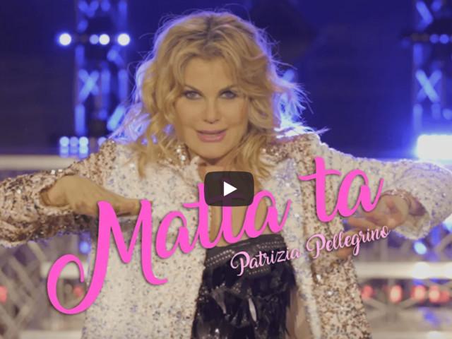 """FERMI TUTTI, Patrizia Pellegrino ha rifatto """"Matta-Ta"""" – il video ufficiale"""