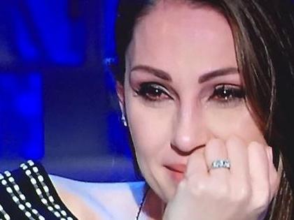 """Domenica In, Anna Tatangelo da Mara Venier: """"Quando minorenne, la prima volta con Gigi D'Alessio..."""""""
