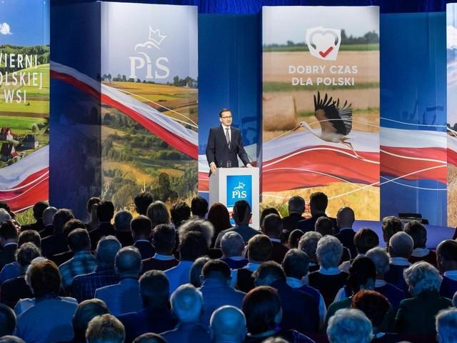 In Polonia vince il centrodestra euroscettico di Jaroslaw Kaczynski