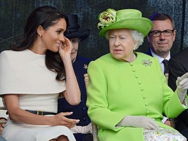 Meghan Markle, la Regina è pronta a perdonare Harry, ma non dimenticherà il Megxit
