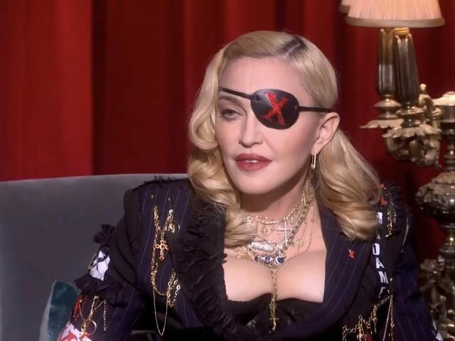 Madonna vieta ai fan di usare smartphone ai suoi concerti
