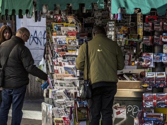 Titoli e aperture: lo psicodramma della crisi raccontato dai giornali in edicola