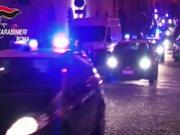 Carabiniere aggredito a Trastevere da tifosi della Lazio, in manette uno dei teppisti.
