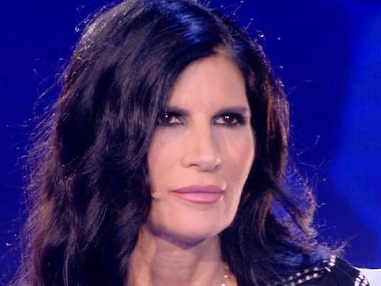 Pamela Prati contro i programmi tv: il duro sfogo della showgirl