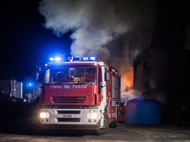 Rogo nell'Oristanese, fiamme nel centro abitato di Cuglieri