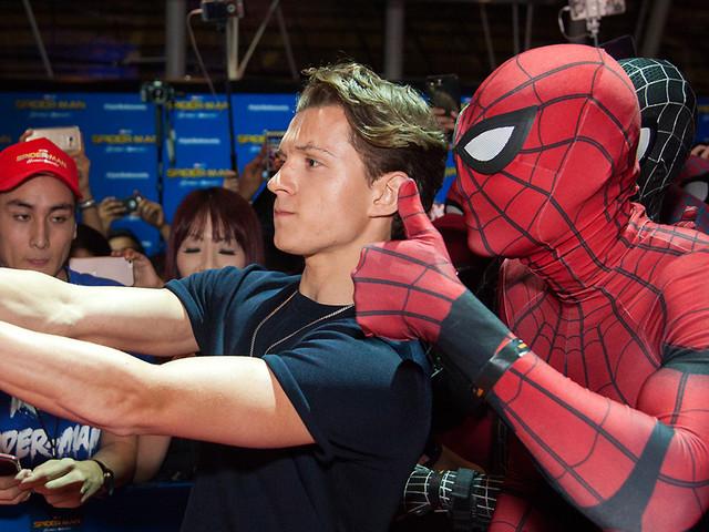 Tom Holland: «Il mio Spider-Man si diverte come un pazzo»