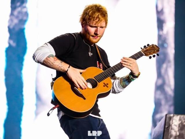 Ed Sheeran: come cantava a 15 anni? Guarda...