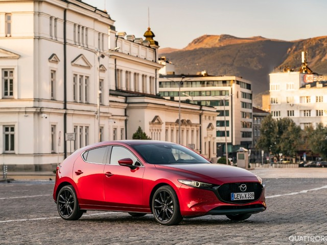 Mazda - Un secolo di innovazioni - FOTO GALLERY