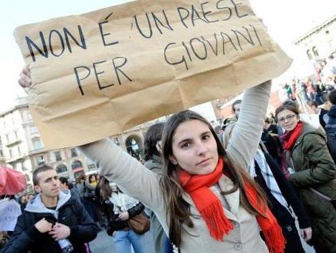 Istat: occupati in calo nel terzo trimestre. Boom dei contratti a termine