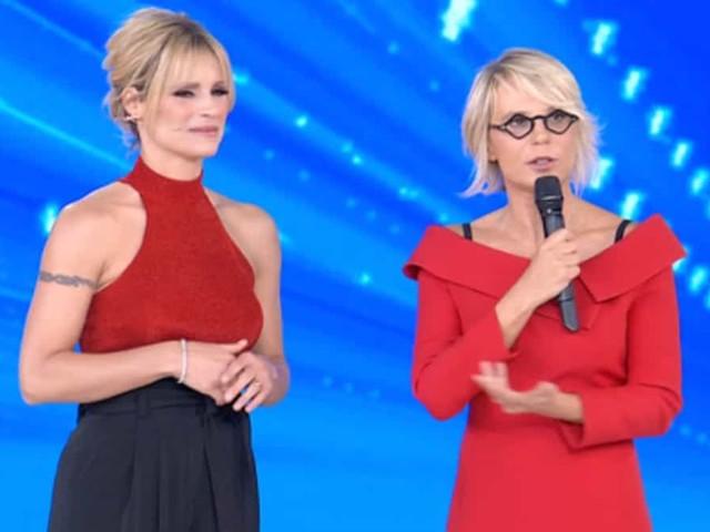Maria De Filippi giudice ad Amici Celebrities: Michelle Hunziker va a sedersi | video Witty tv