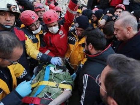 Terremoto in Turchia, sale a 31 il bilancio delle vittime: 1.607 i feriti