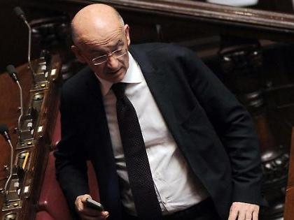 """Imane Fadil, """"danno inimmaginabile per Silvio Berlusconi"""". Tesi inquietante: """"La differenza con Giulia Sarti"""""""