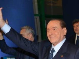 """Berlusconi: """"Nessun malumore con Salvini. Il centrodestra è ancora il futuro. M5S irresponsabile"""""""