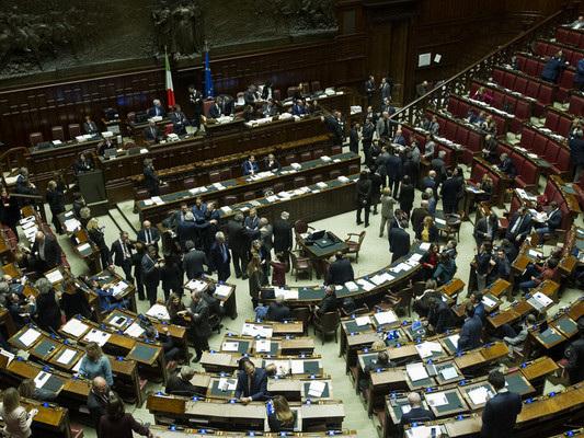 La Camera dà il via libera al Decretone con 291 sì. Ecco cosa prevede
