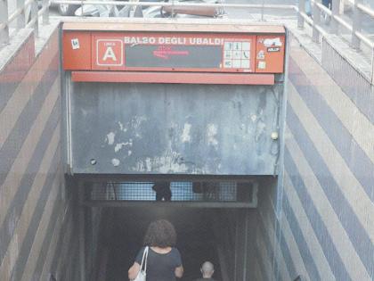 Non c'è pace per la metro A. Chiusa un'altra fermata