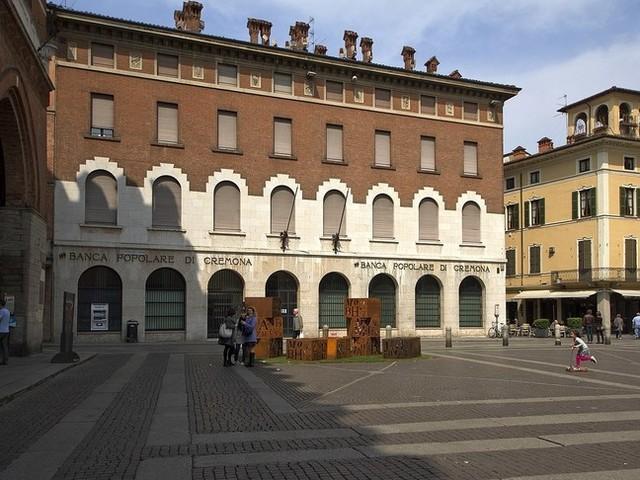 """A uccidere il prof di Cremona è stato il mal di vivere o un """"amore assurdo""""?"""