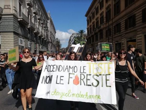 Terzo sciopero mondiale per il clima, centinaia di migliaia di giovani italiani chiedono giustizia climatica (FOTOGALLERY)