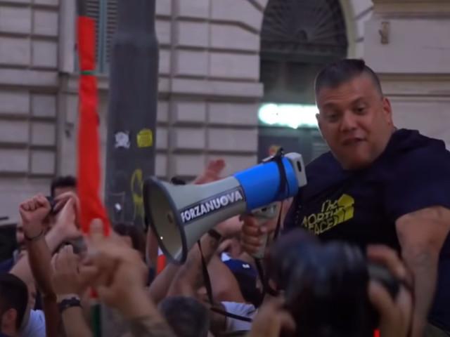 """""""Portateci da Landini o lo prendiamo noi"""". Le minacce di Castellino nella ricostruzione dei magistrati. I pm: """"E' stata guerriglia urbana con spranghe e bastoni"""""""