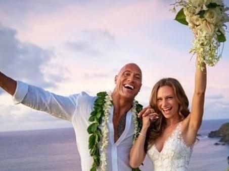 Dwayne Johnson si è sposato: alle Hawaii le nozze a sorpresa di ?The Rock?